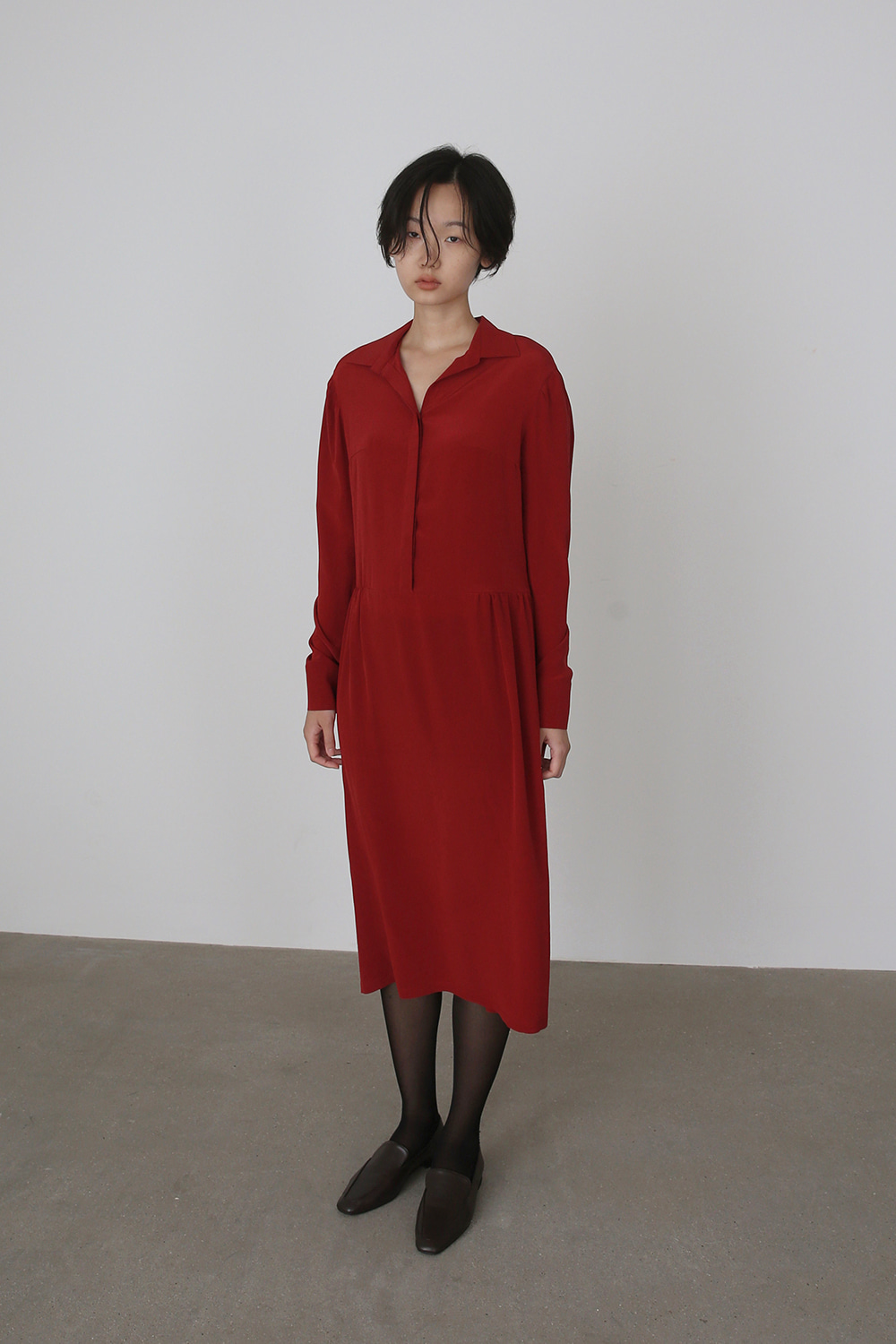 Gathered Shirt Dress (red silk)
