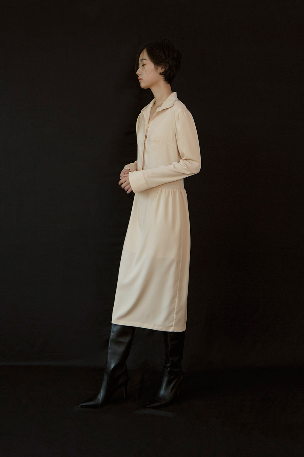 Gathered Shirt Dress (cream beige)