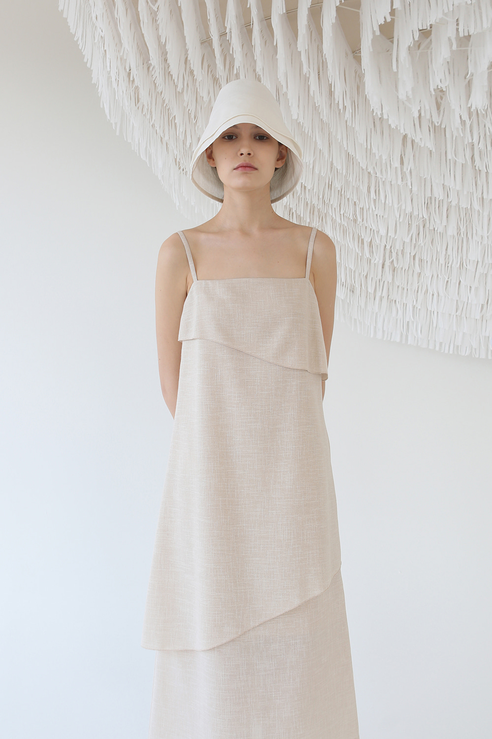 *태연, 예리, 소원 착용* Textured Layer Strap Dress (beige)