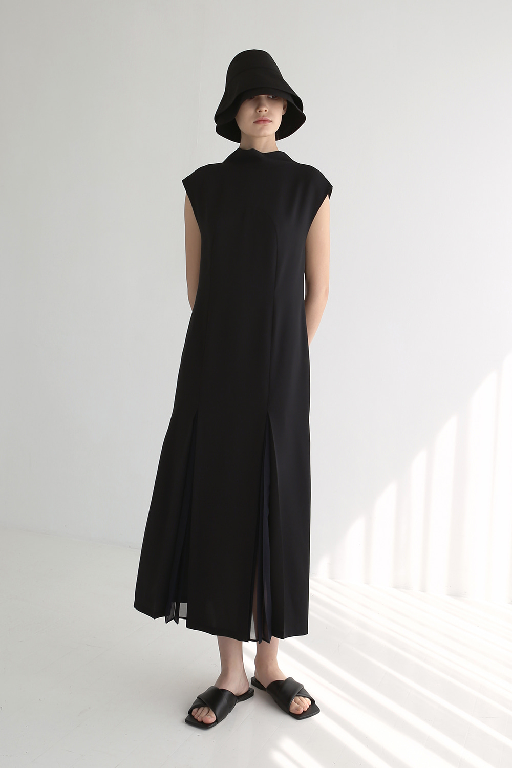[6.1 예약발송] [**6.8 예약발송] 20SS SHEER PLEATED BOW-NECK DRESS (BLACK)